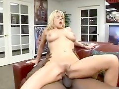 Horny bimbo takes boner in the basement