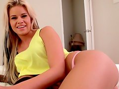 blonde chick knows how to suck cock Jessa Rhodes
